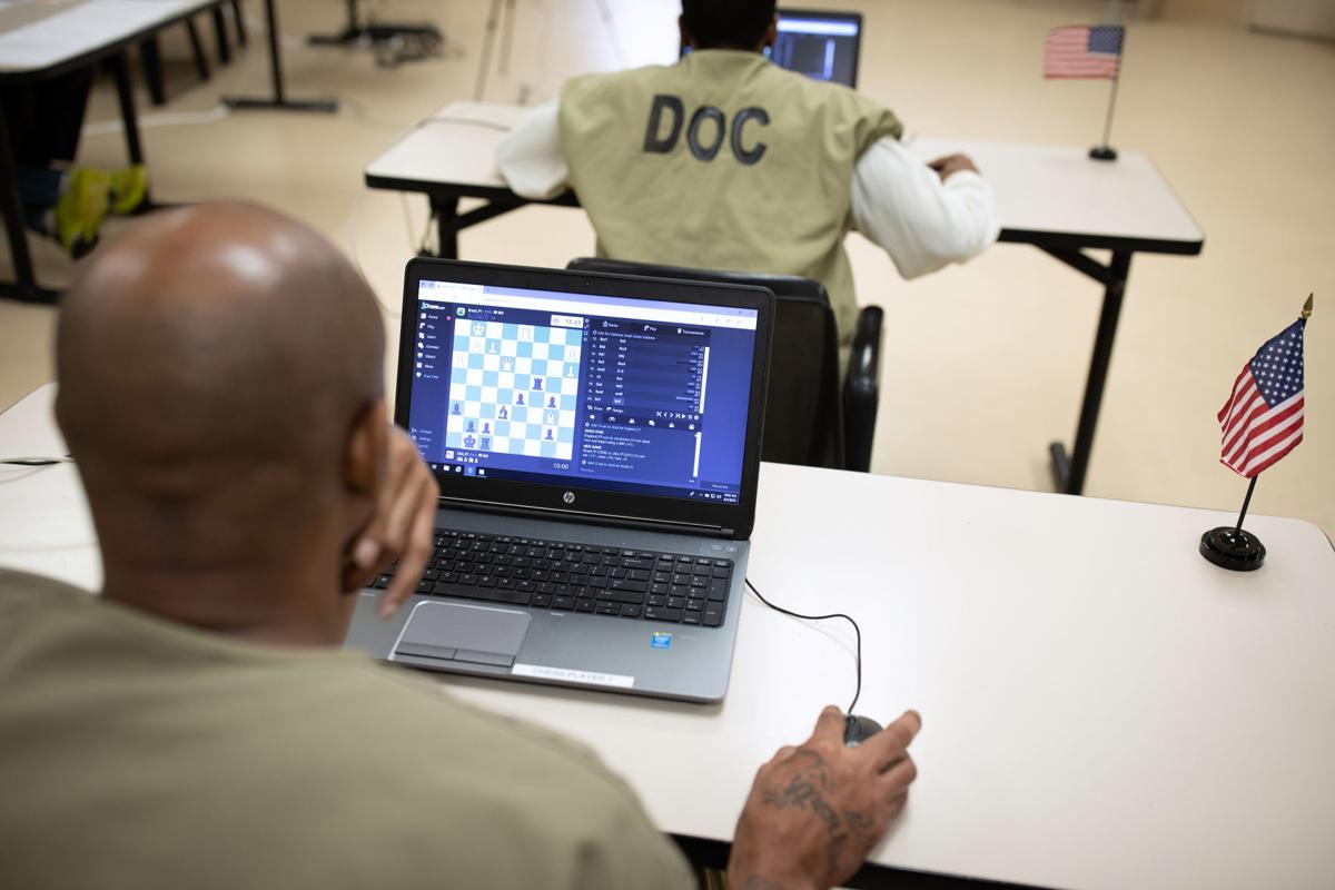 Online chess unites inmates around the world 2