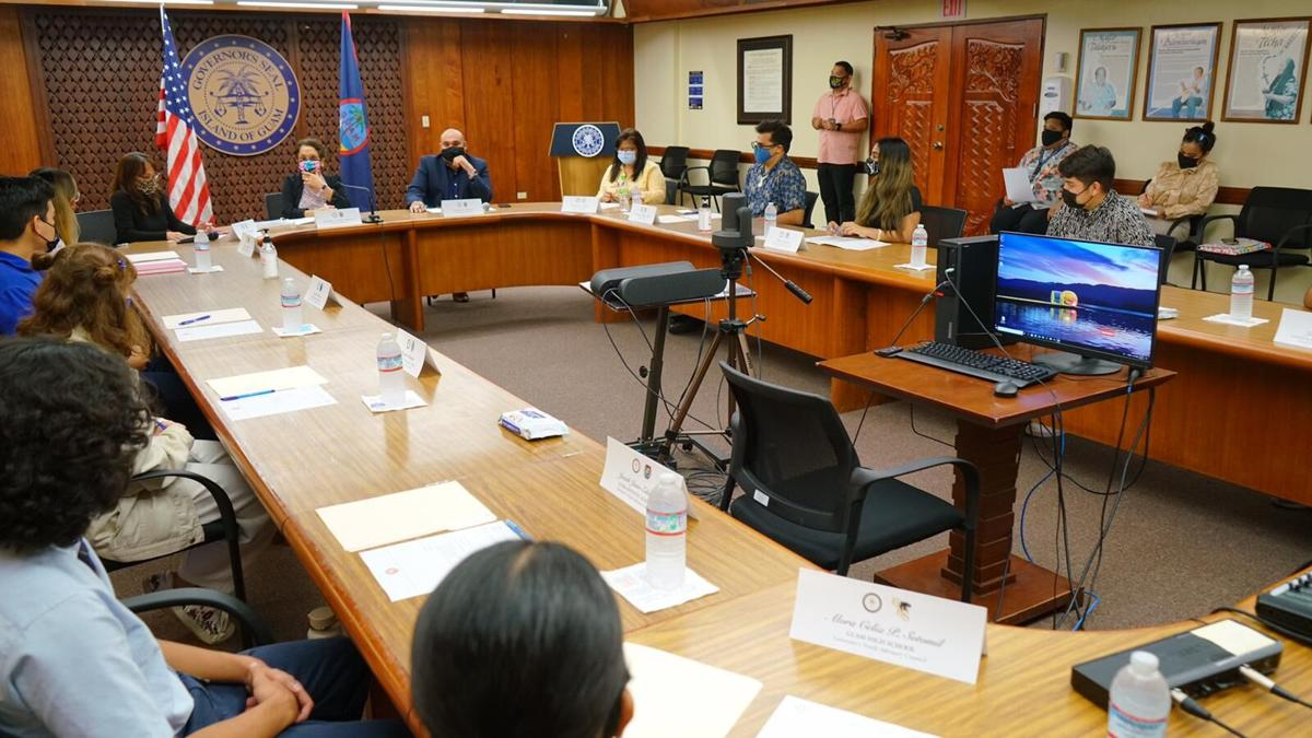 Students voice concerns at meeting of Governor's Youth Advisory Council