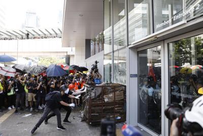 HK protesters seek asylum in Taiwan