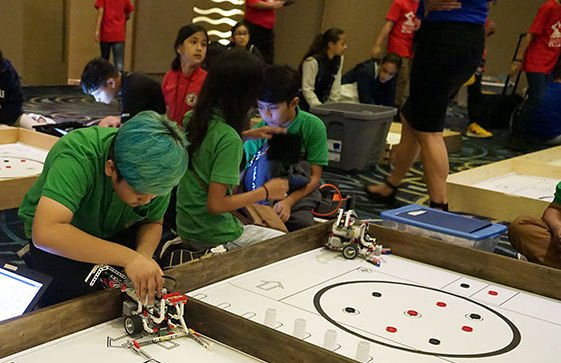 Students build robots, compete against other schools