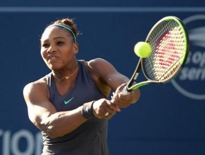 Serena rallies past Bouzkova