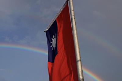 Taiwan staff leave HK amid 'one China' row