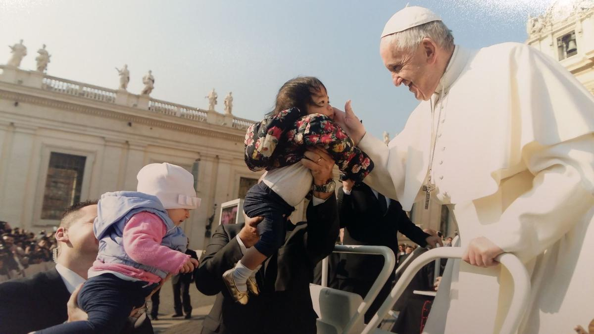 Guam girl gets blessing from pope
