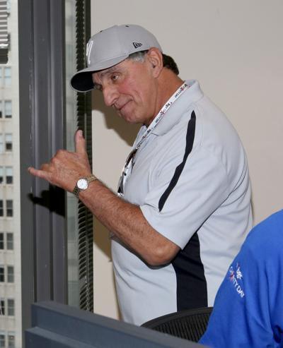 Ex-Yankee Joe Pepitone suing Cooperstown baseball museum for storied Mickey Mantle bat