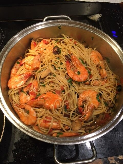 Pleasing islander palates with fresh seafood