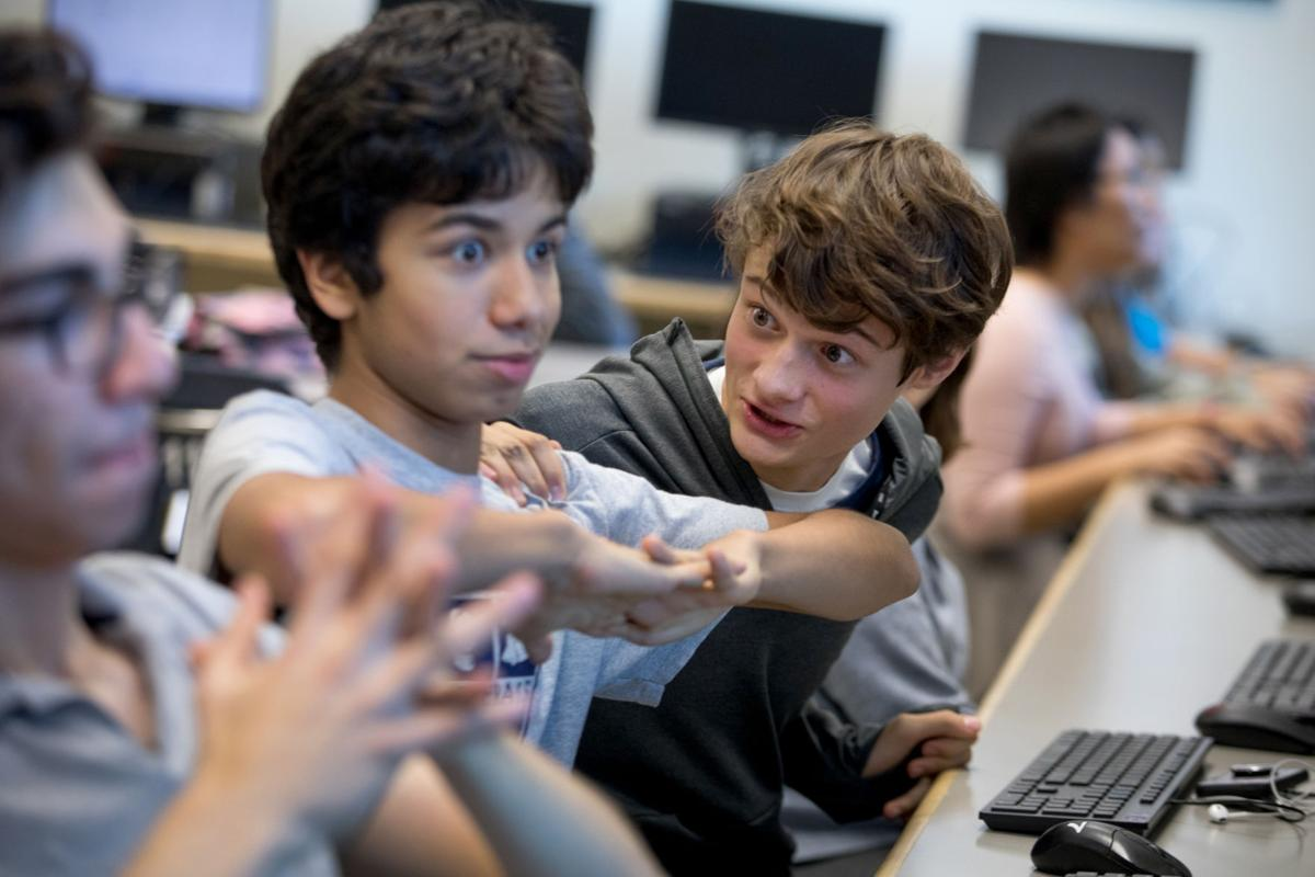 Students hope parents join esports movement