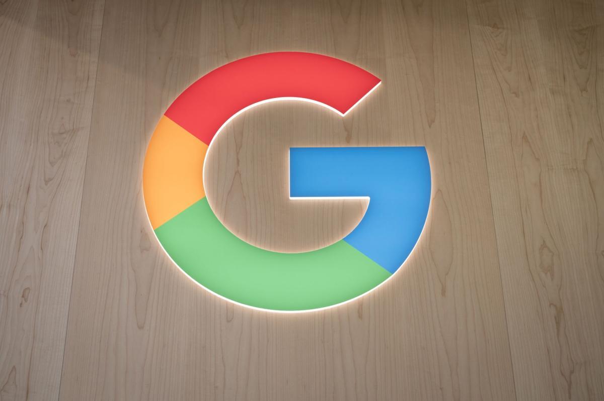 Apple, Google launch COVID exposure software