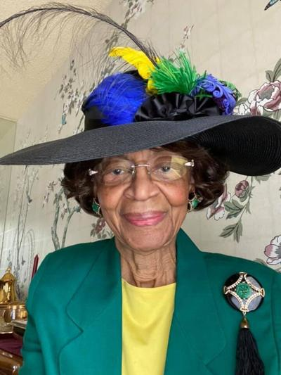 This woman, 82, dresses to the nines each Sunday for virtual church. Her selfies have become legendary