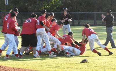 Howe Baseball Friday regional celebration