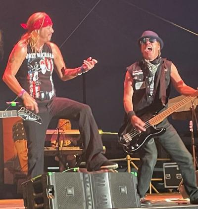 """Norman 'Stormin' Norman"""" Voss plays with Bret Michaels"""