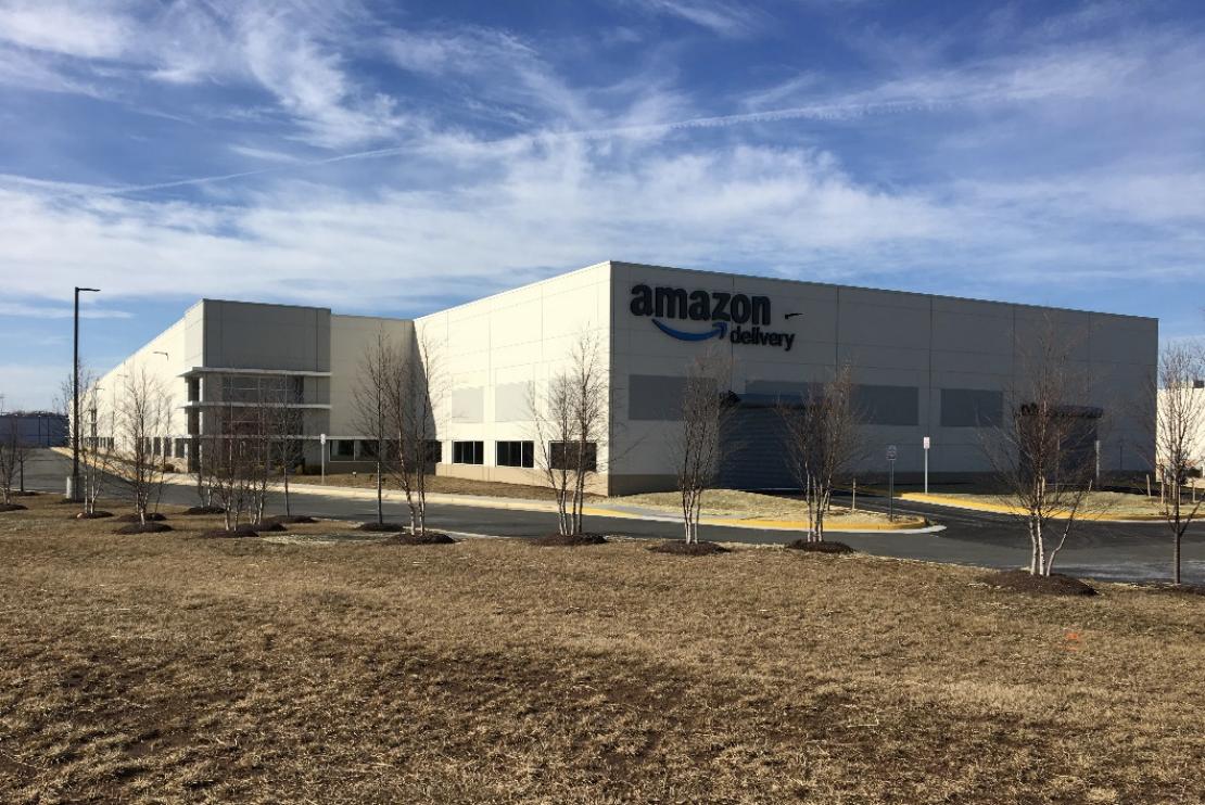 Photo_News_DistributionCenter_Amazon.png