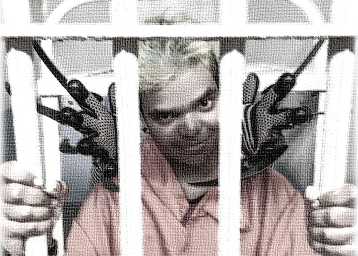 Scare Actor / Prison Cells