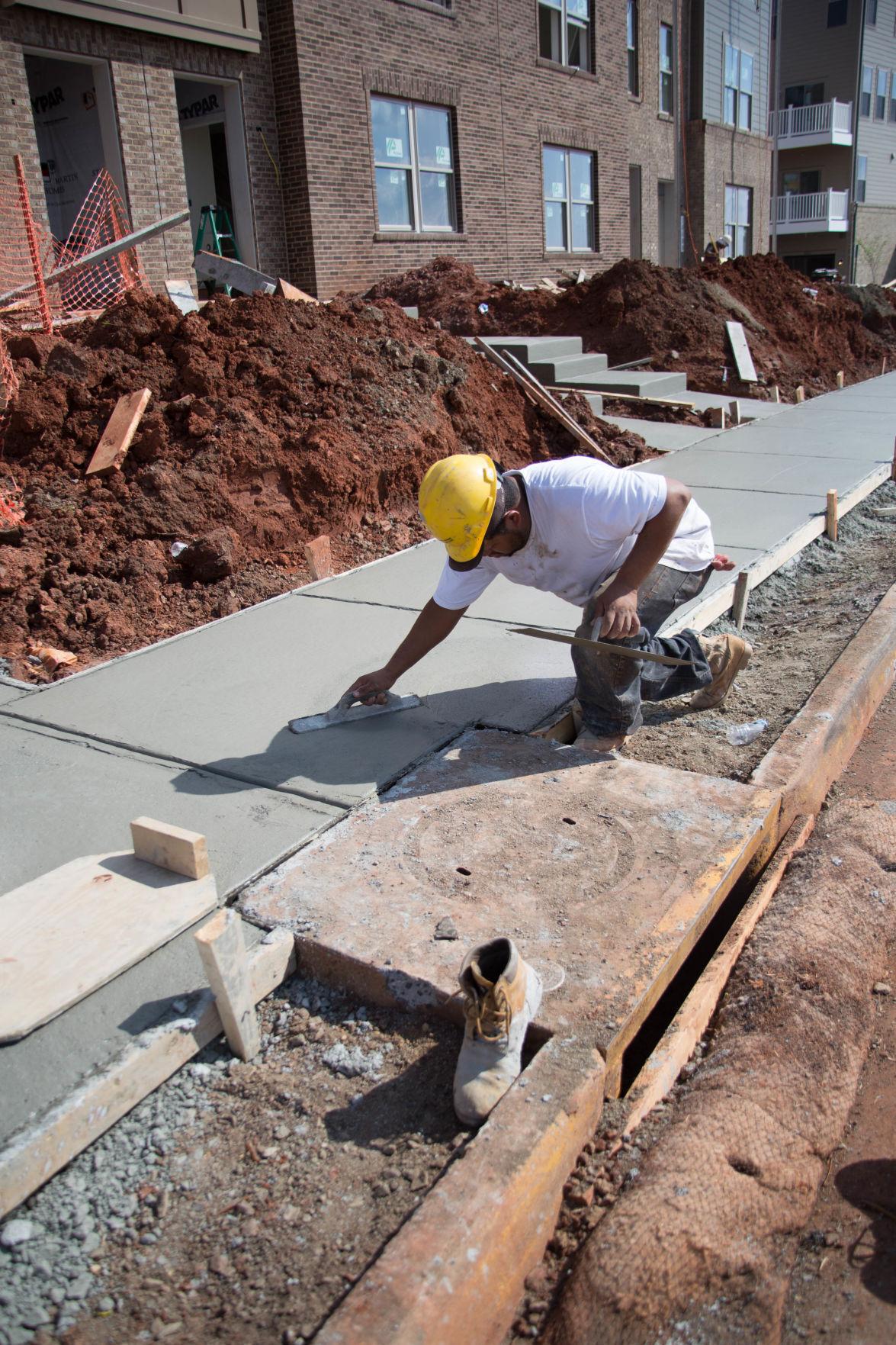 Photo_News_AffordableHousing_ConstructionWorker.jpg
