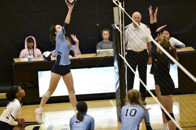 B_Colgan_volley_10_Kailin_Flanagan_16.JPG