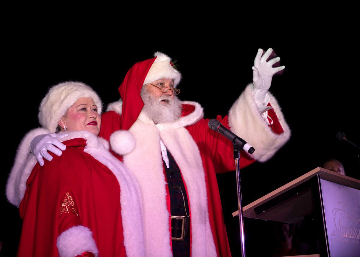 City Of Manassas Christmas Parade 2021 Photos Santa Lights The Manassas Christmas Tree News Princewilliamtimes Com