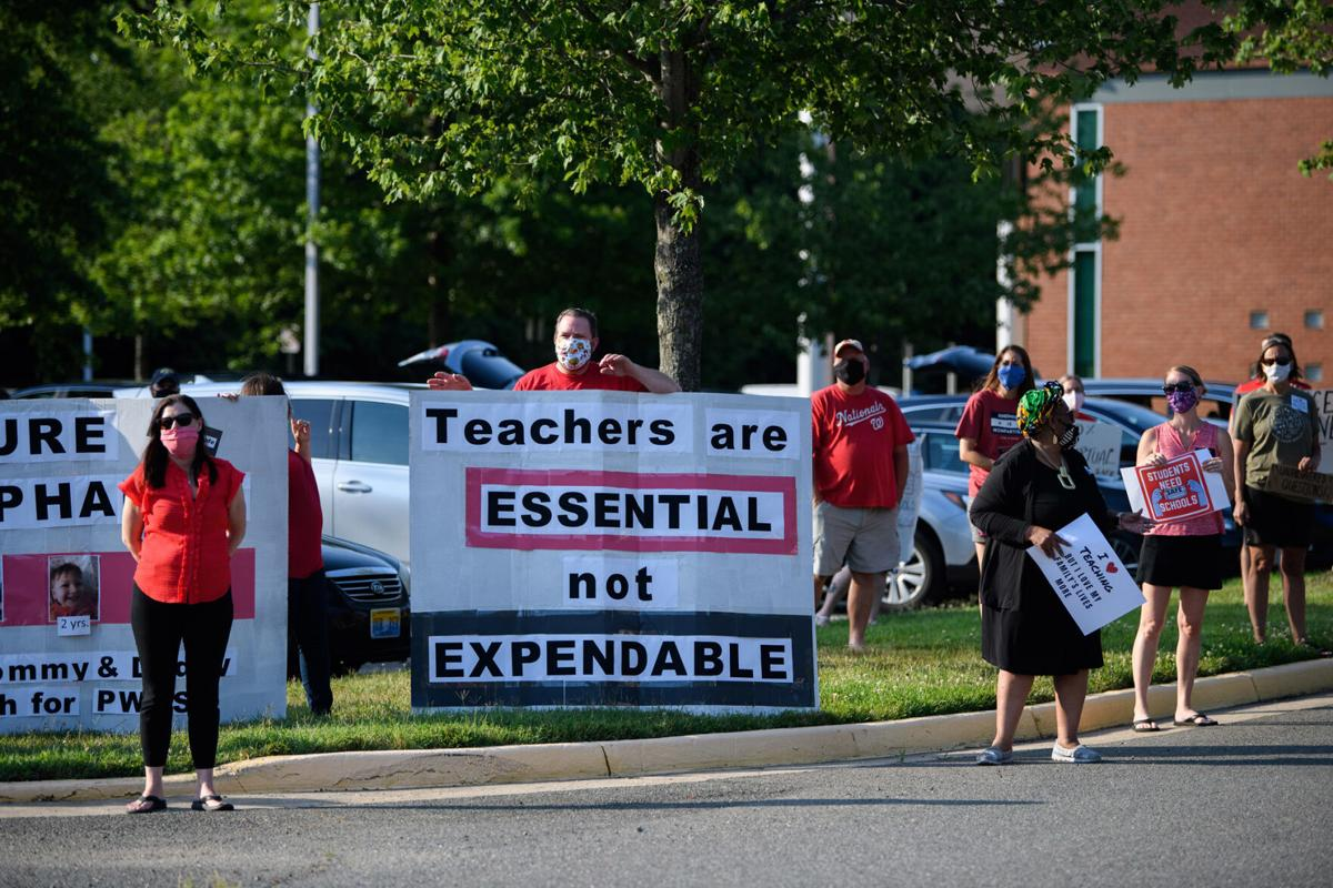 teacher rally before board meeting