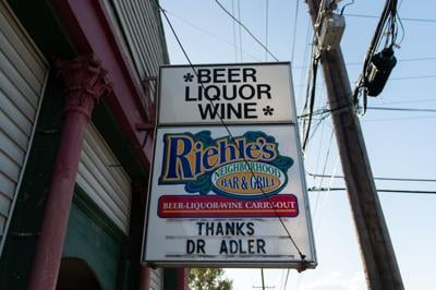 9/30/20 Riehle's Neighborhood Bar and Grill Sign