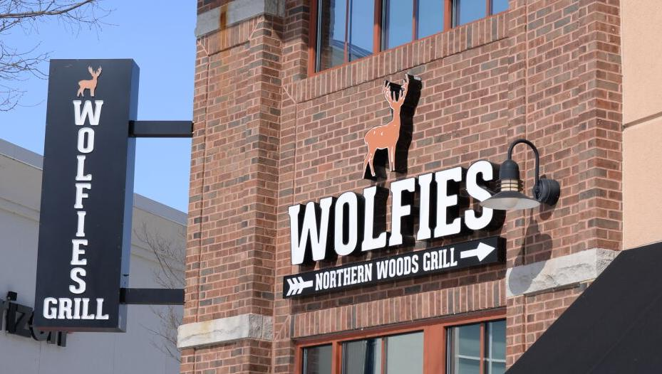 2/20/21 Wolfies Grill Outside