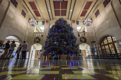12/8/16 Union Christmas Tree