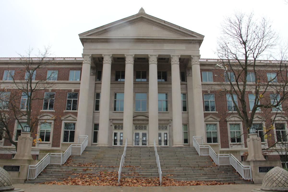 Purdue Fall 2022 Calendar.Provost Conversation Talks Lifting Restrictions Fall Semester Campus Purdueexponent Org