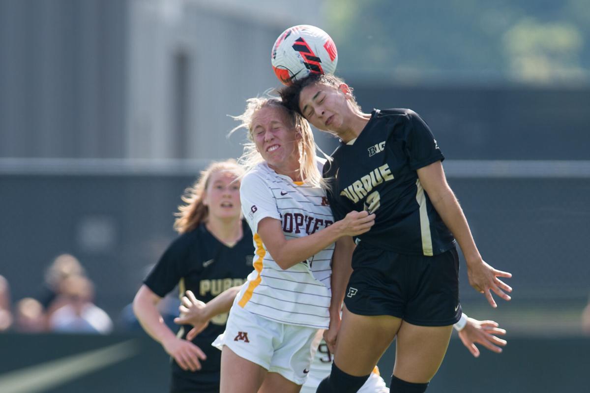 10/10/21 Minnesota, Sydney Duarte heads the ball
