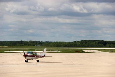 Aviation alumni, former faculty fear privatization of pro-flight