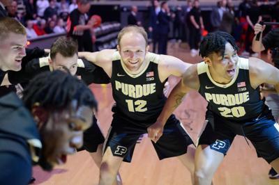 3/7/20 Rutgers, Team Huddle, Evan Boudreaux, Nojel Eastern