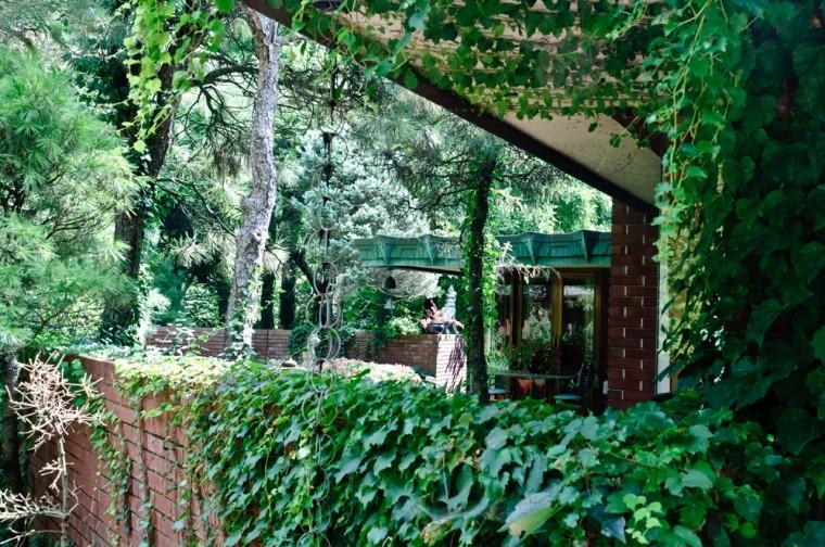 10 24 11 Samara House Frank Lloyd Wright City