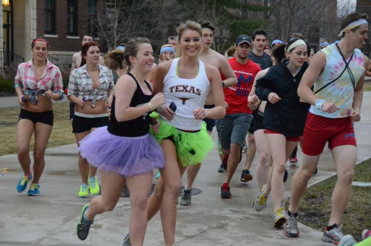 Nearly Naked Mile 2011 | University of Iowa Alumni