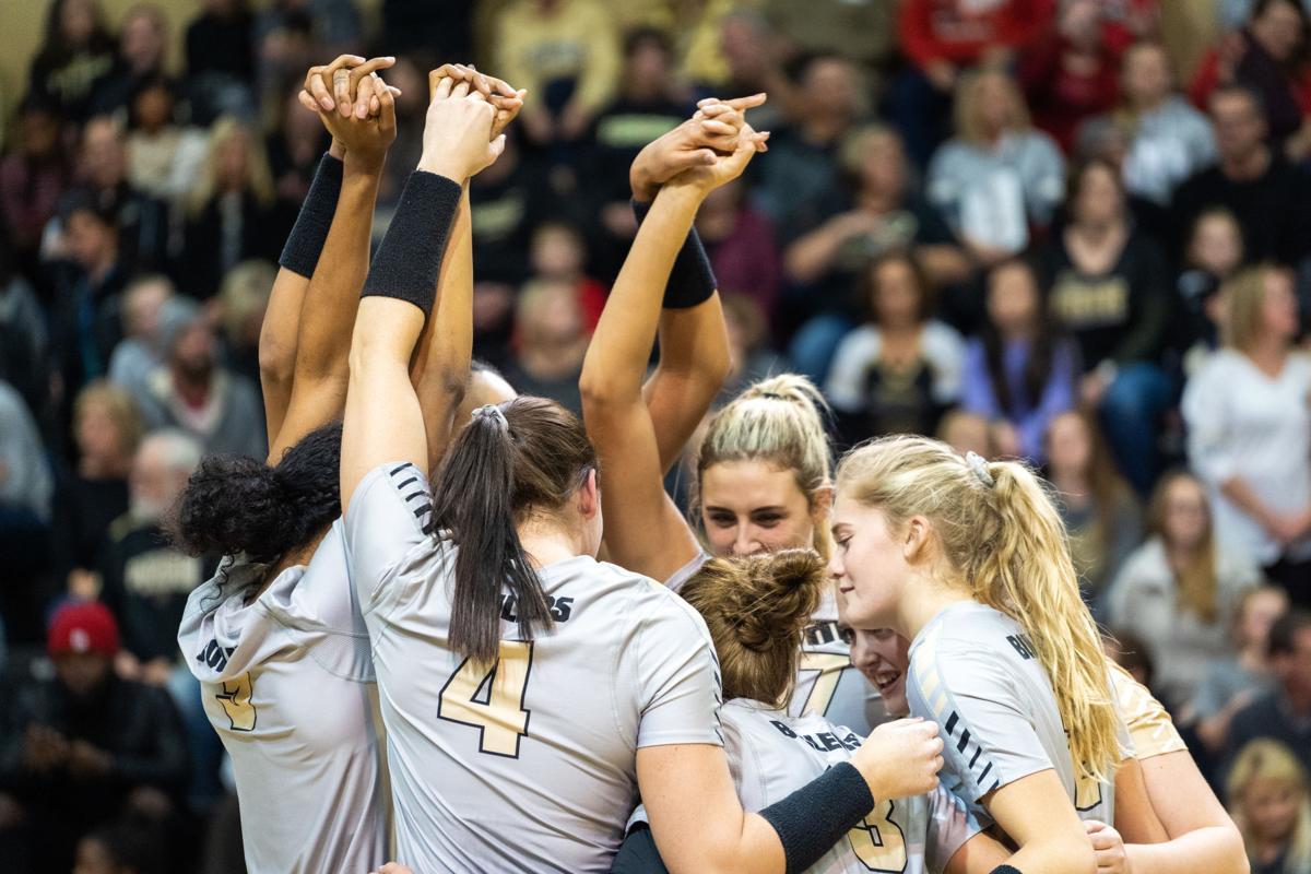 11/16/18 Nebraska, Team Huddle