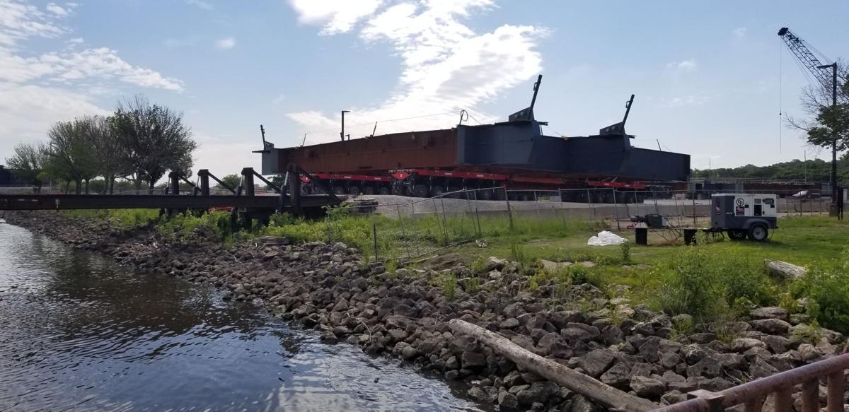 Lunda steel loading in Moline