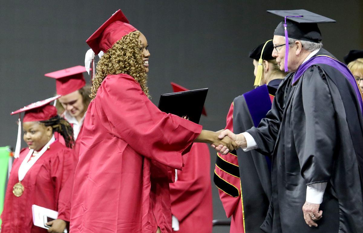 051018-qct-scc-graduation-008