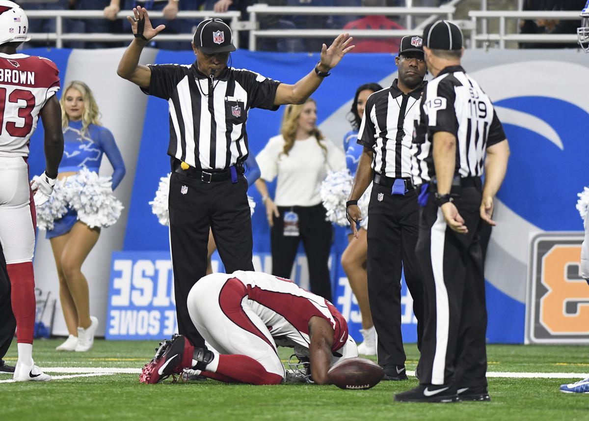 Cardinals lose star RB David Johnson Clinton grad to dislocated