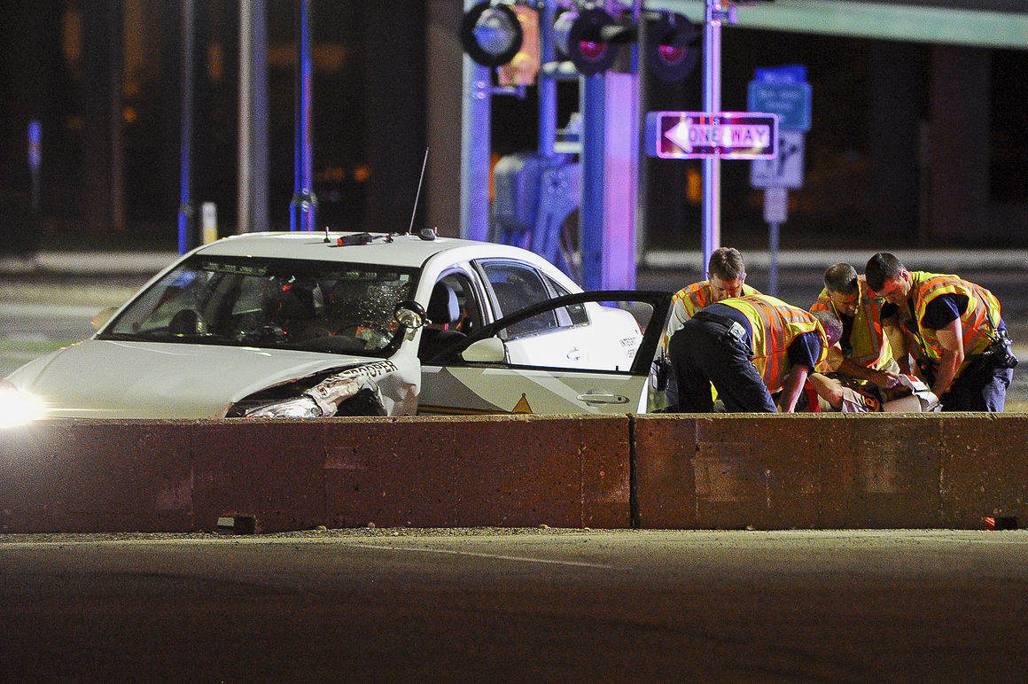 Illinois State Police sergeant injured in Moline crash | Crime