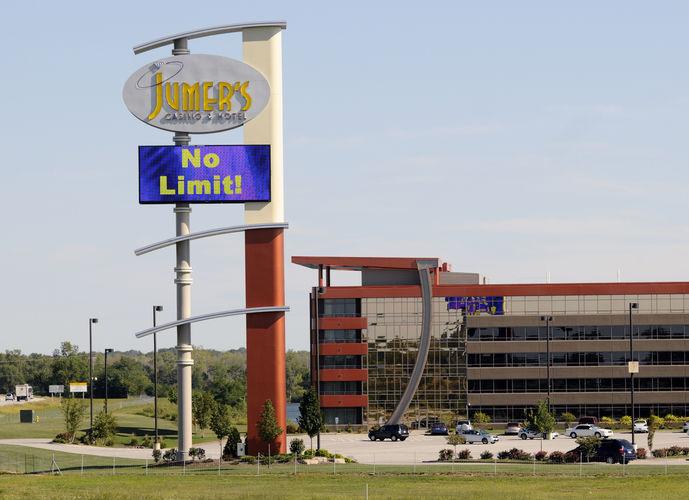 Illinois 'grand bargain' bill would expand gambling