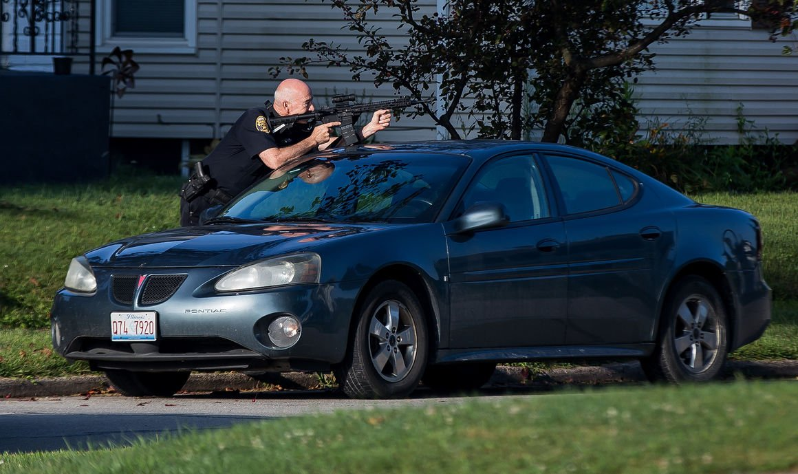 Man Arrested After Brief Standoff With Moline Police