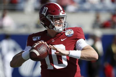Mac Jones of the Alabama Crimson Tide warms up prior to the Vrbo Citrus Bowl against the Michigan Wolverines at Camping World Stadium on Jan. 1, 2020 in Orlando, Florida.
