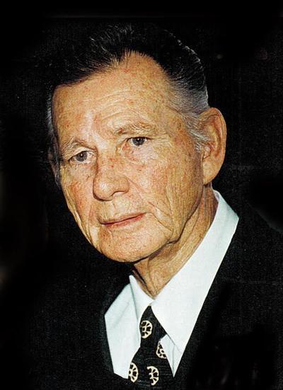 William Thomas | Obituaries | qconline com