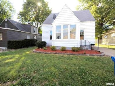 2 Bedroom Home in Moline - $74,000