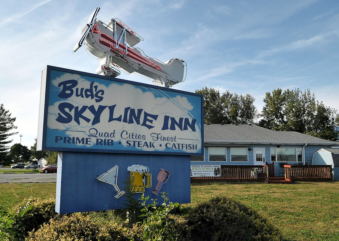 Canfield kin bringing Bud's Skyline to Davenport