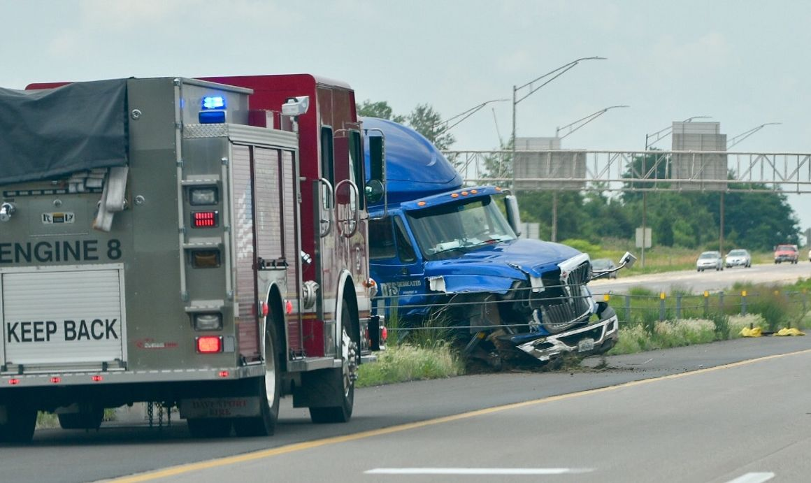 Wednesday crash ties up I-80 near Davenport