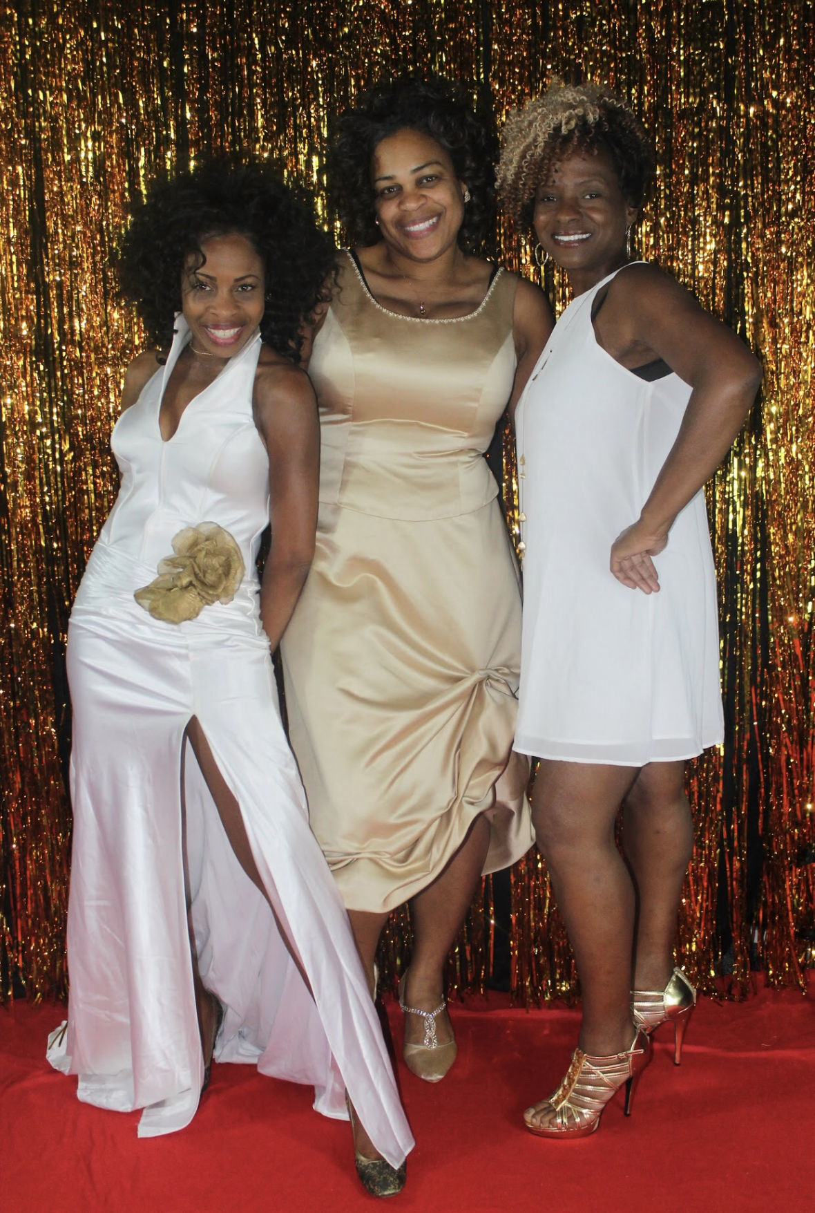 101619-mda-nws-sisters