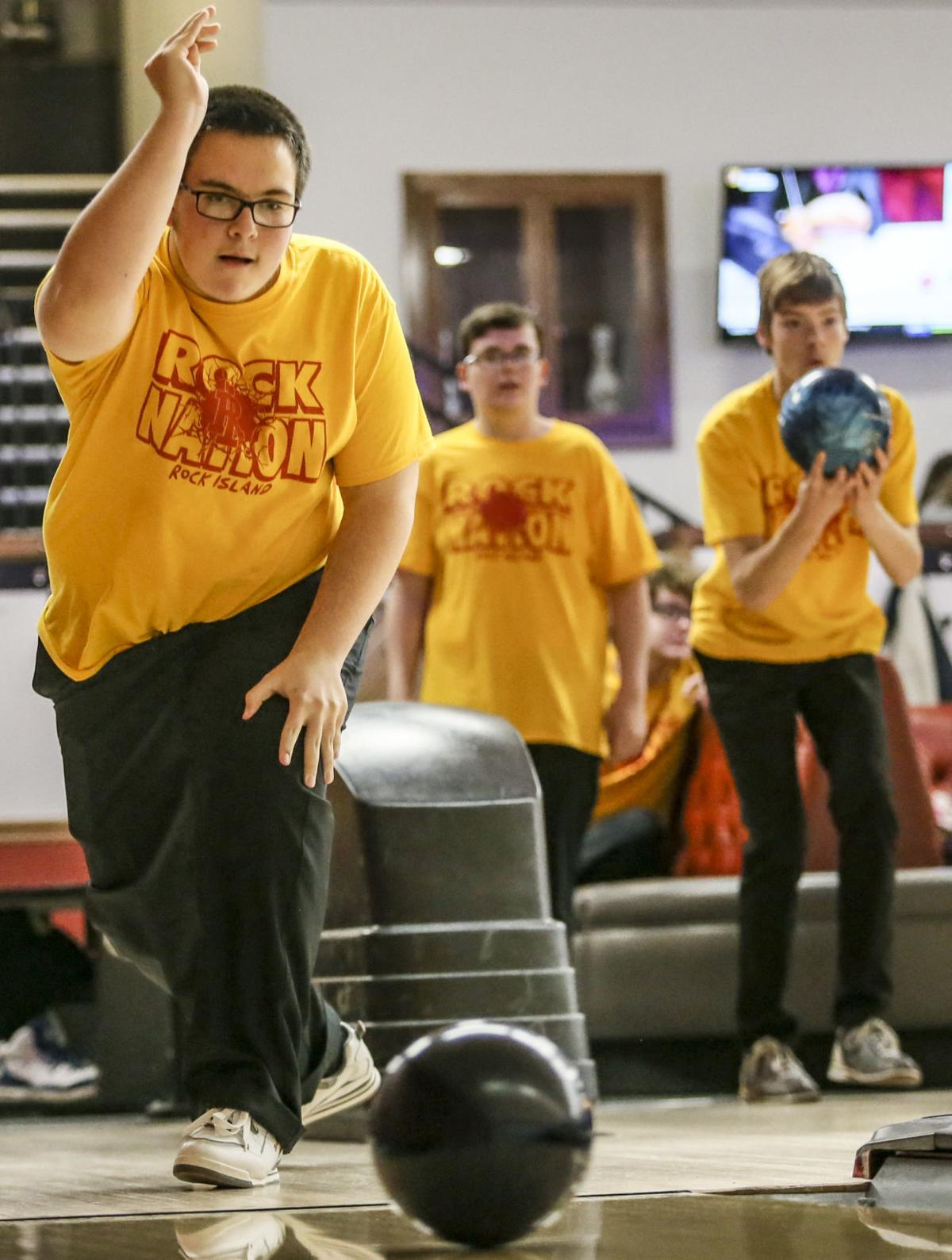 120419-mda-spt-rocky bowling-06.jpg