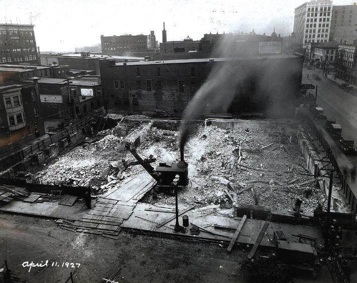 19270411 -- Davenport Bank & Trust Co. Building