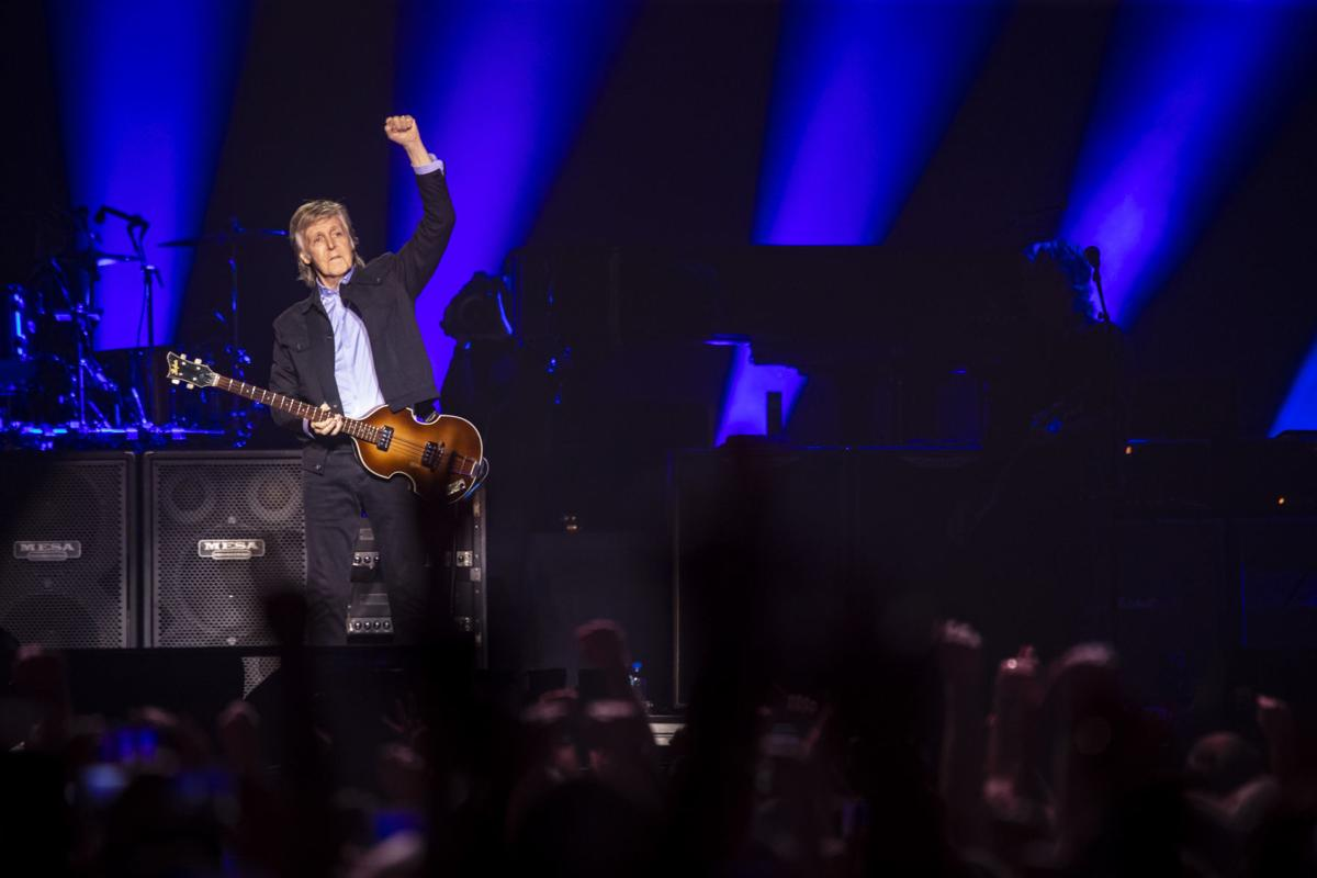 061219-McCartney-Concert-010