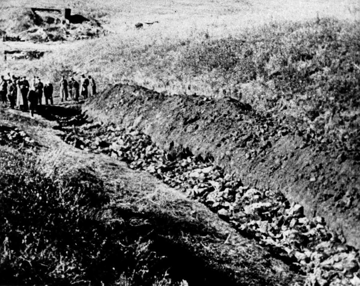 Ukraine marks Babi Yar massacre's 75th anniversary | International |  qconline.com