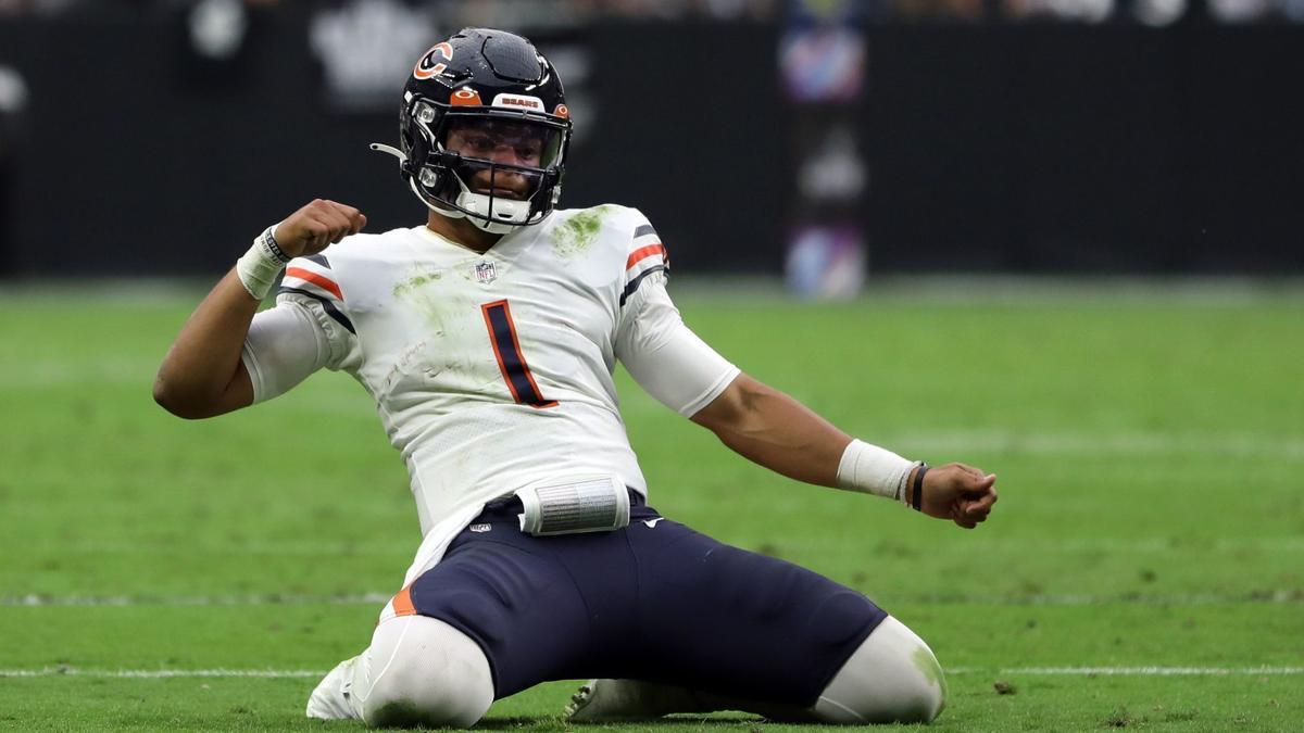 Bears quarterback Justin Fields