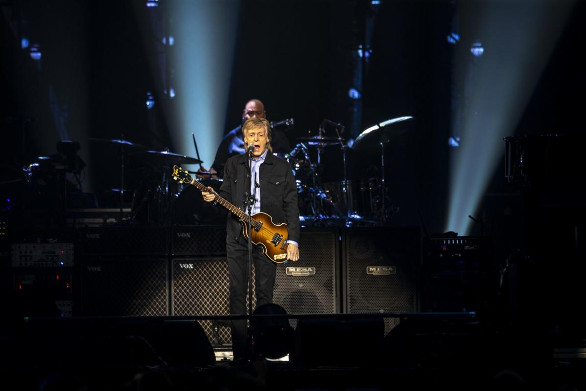 061219-McCartney-Concert-005