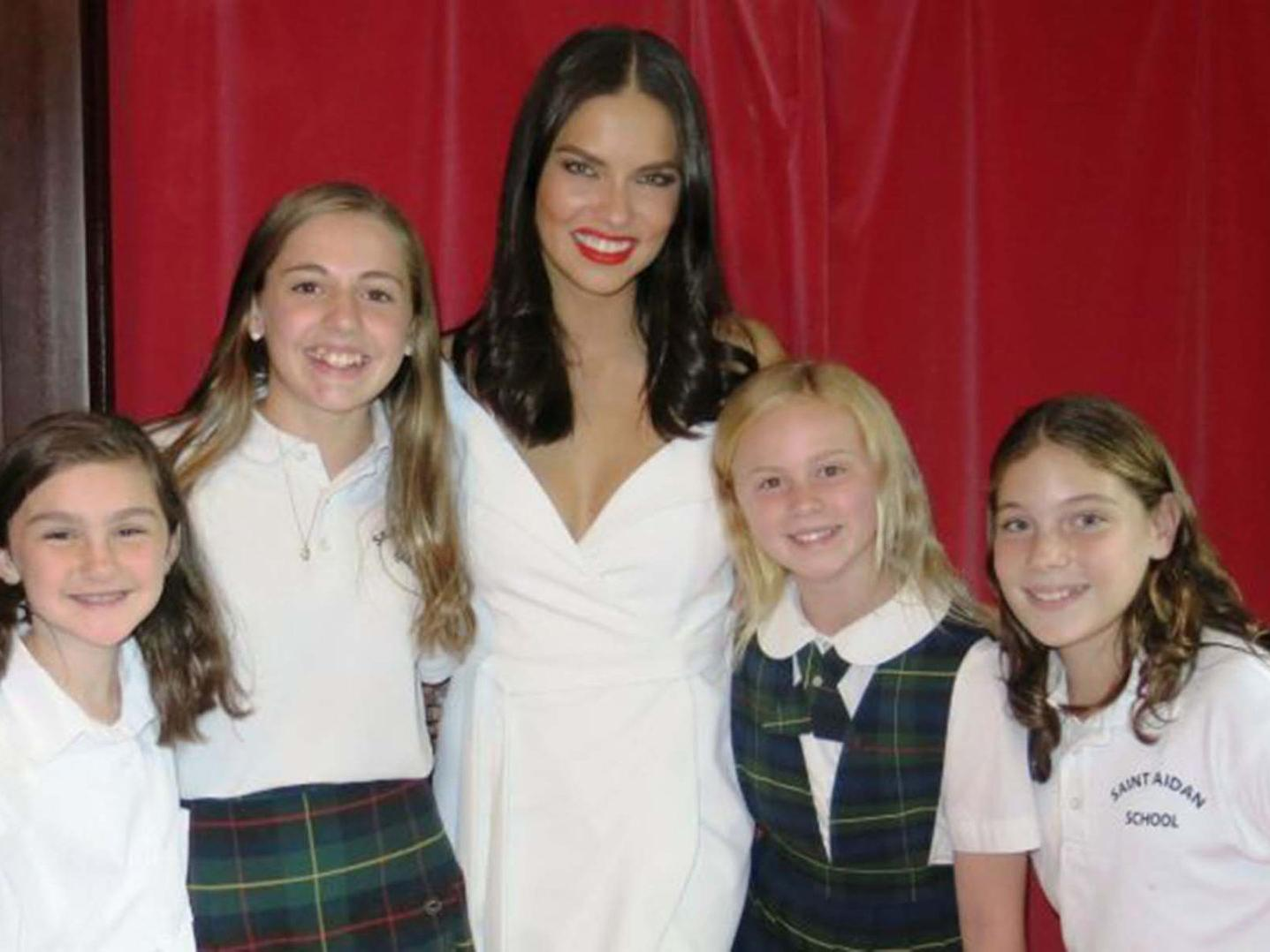 Adriana lima daughters