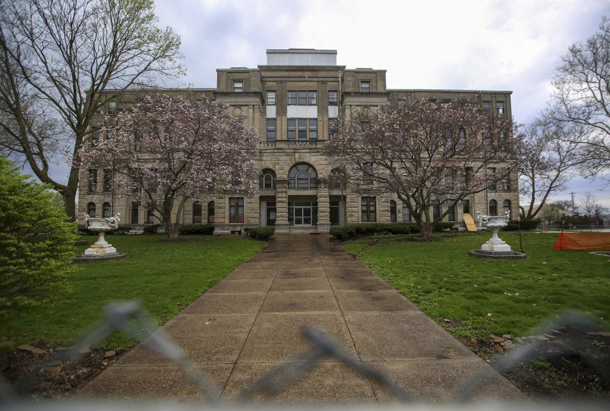 042219-mda-nws-courthouse-001